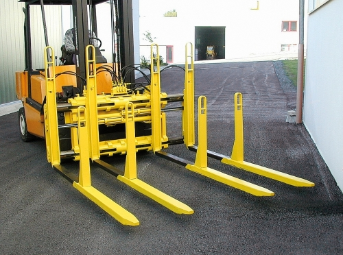 Double pallet handler with telescopic forks